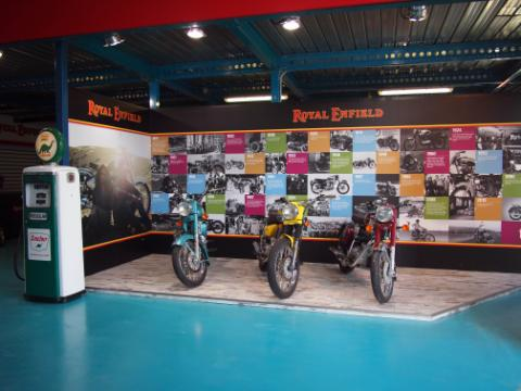 02_RoyalEnfield_Genova_Showroom